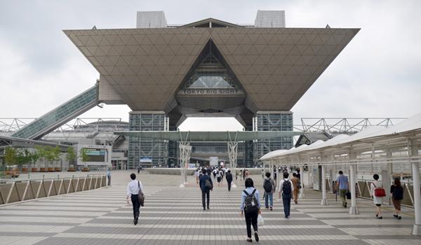 東京ビッグサイト正面入口