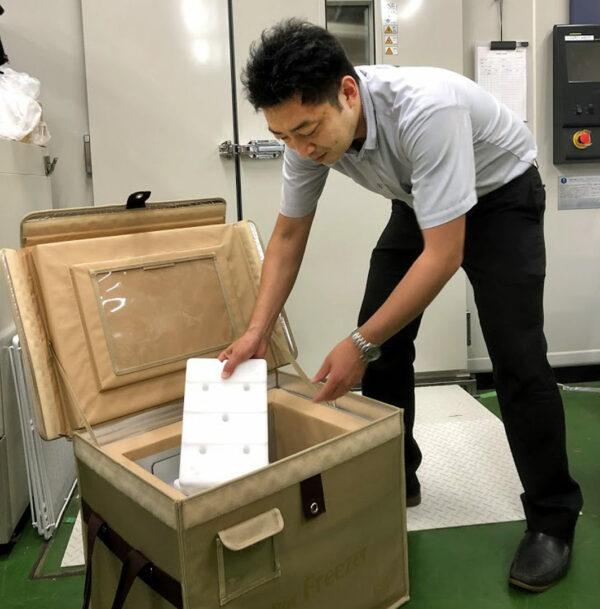 「定温輸送容器セット」での「3℃適温蓄冷材」使用について<br/>検証を行う スギヤマゲン藤井さま
